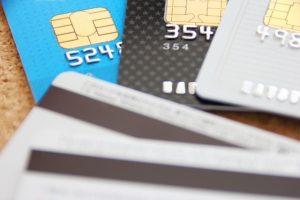 私たちの生活に浸透しているクレジットカード。しかし、敷金・礼金や家賃の支払いに利用されることは少ない。その理由は?