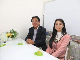 ベテラン大家の菅完治さんと、始めて11年目という佐藤明子さん。市場の動向の変化がお二人の話からよく分かる
