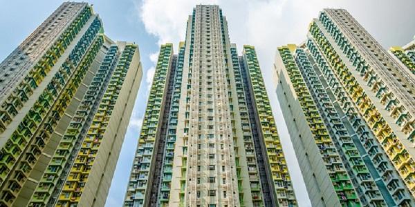 世界でもトップクラスの不動産価格、高い人口密集率、超高層ビルの密集など、香港は多くの特徴を持つ街である