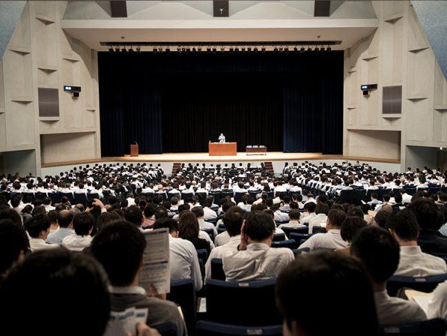 国土交通省による説明会(東京)では、定員2,000名の会場がほぼ埋まった